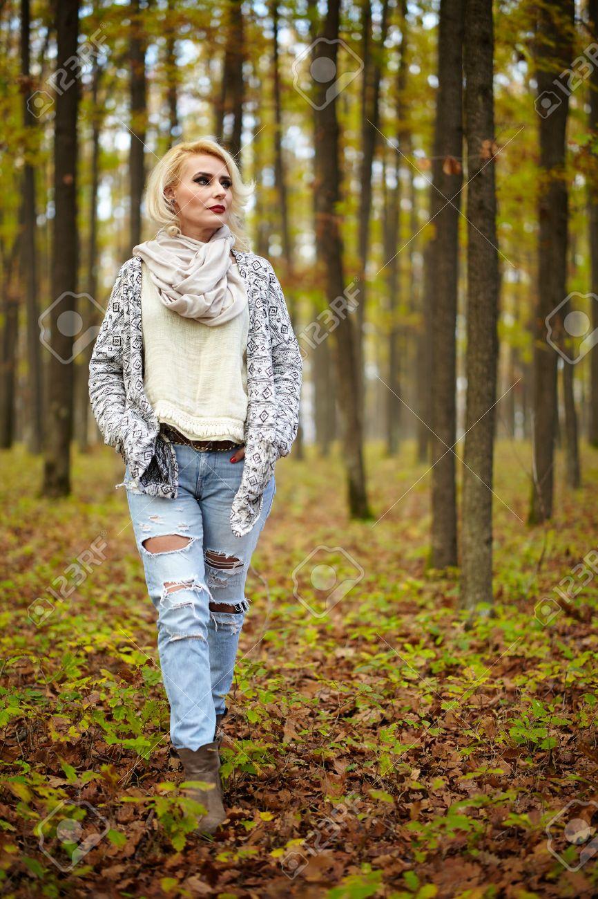 Mujere jovencita no profesional en Luján-2579