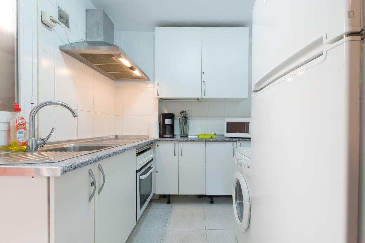 Habitaciónes disponible en La Plata centro-8353