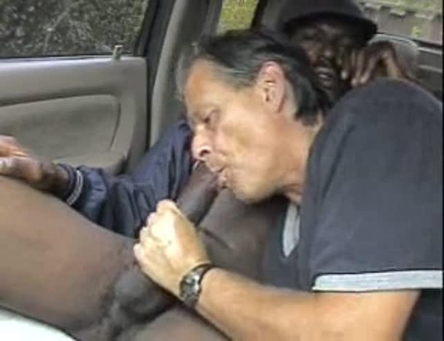 Maduro la chupa a chico en su coche-4946