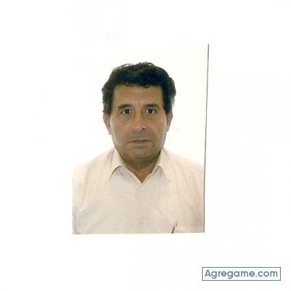 Busco a un hombre de 45 a 55 años-2675