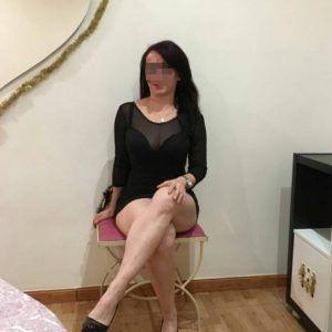 Mujer con curvas cuarentona-972