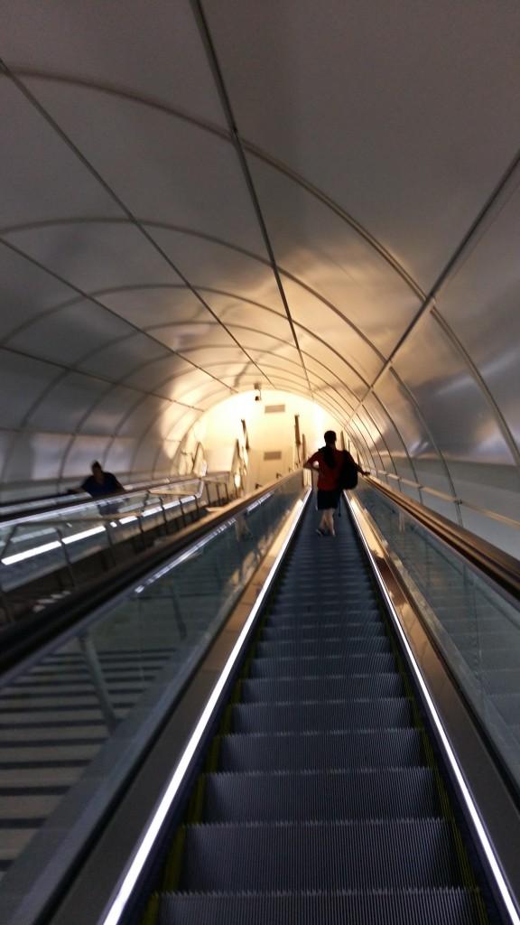 Parada de metro o tren-8423