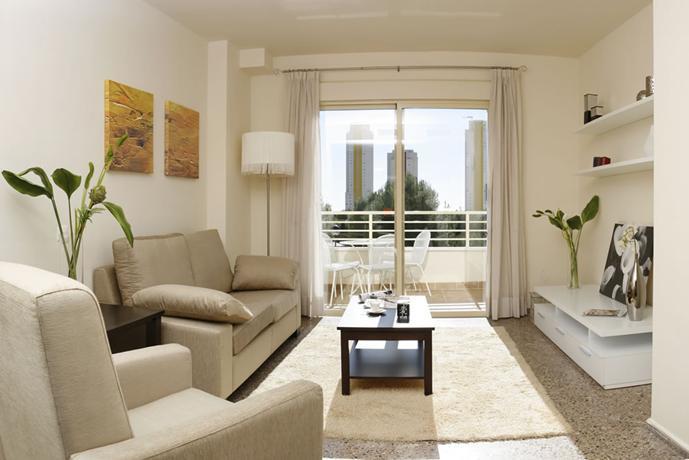 Apartamento particular y en una buena zona de poniente-2313