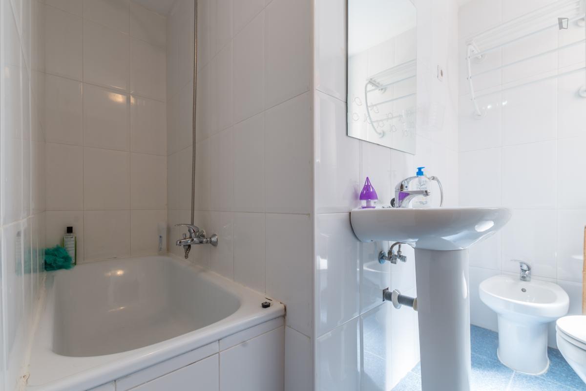 Habitaciónes disponible en La Plata centro-7748