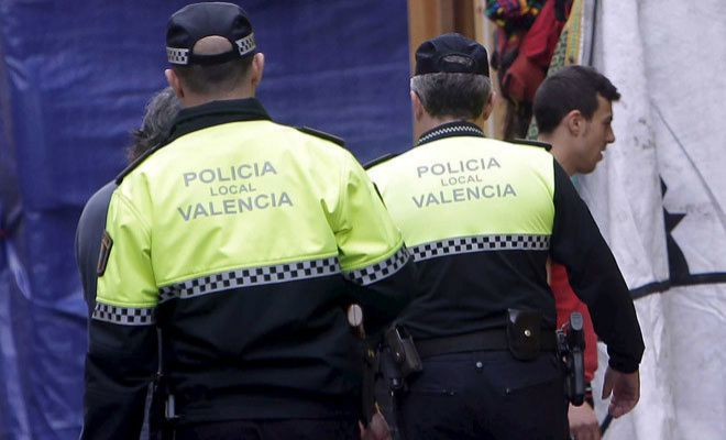 Hombres acompañante en comunidad Córdoba na-6494